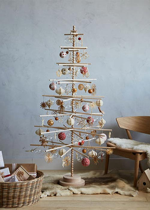 eco-friendly beaded wood Christmas tree